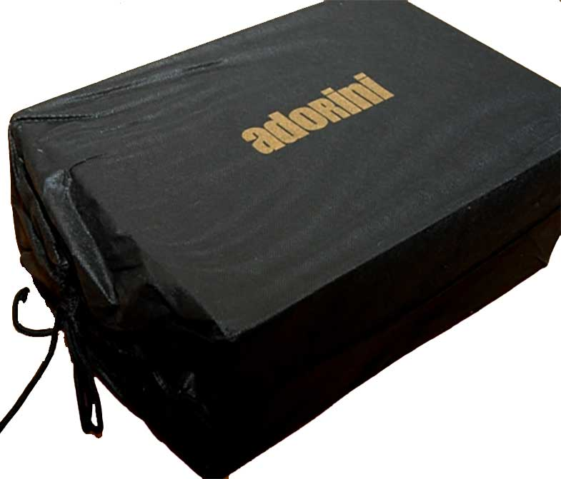 emballage d'une cave à cigare Adorini